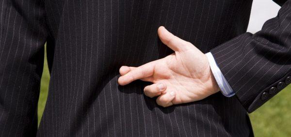 دلایل دروغگویی مردان به همسران